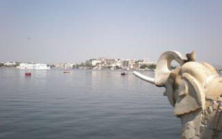 Elefante de hormigón en costa india