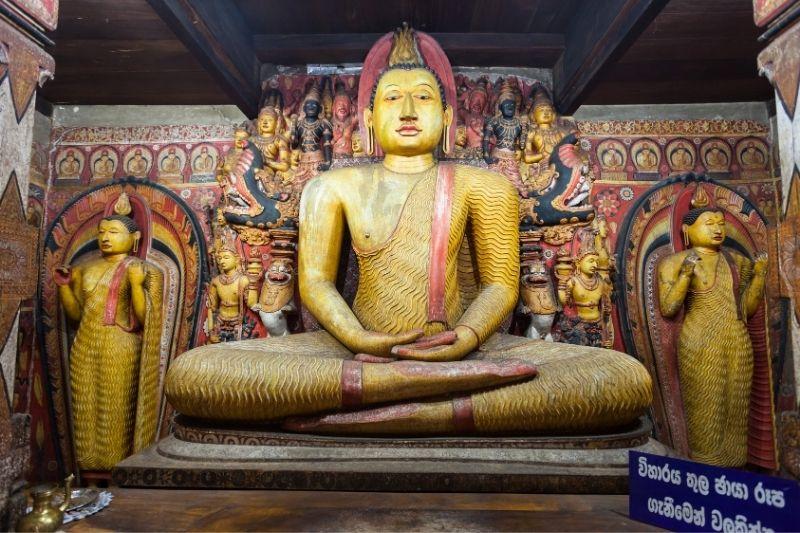 Estatua de Buda en Sri Lanka