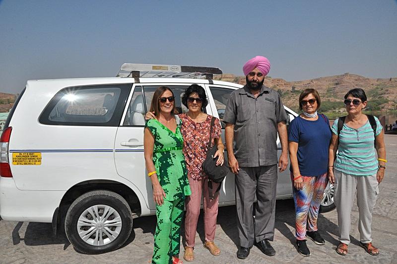 Chofer en India